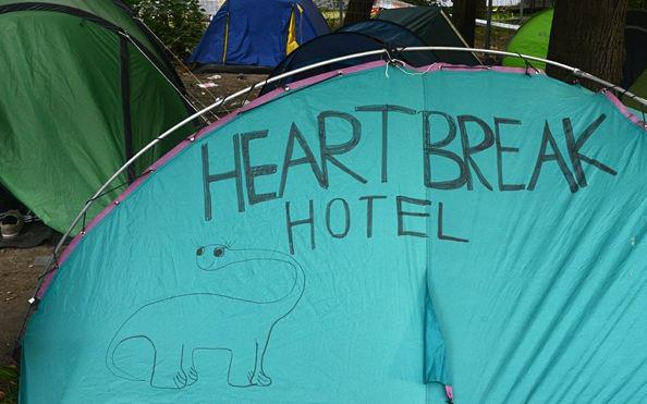 heart break hotel tent