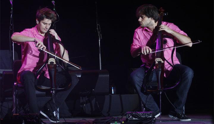 2 Cellos в Киеве на концерте Элтона Джона