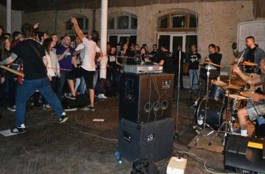 Authority Zero с акустическим концертом